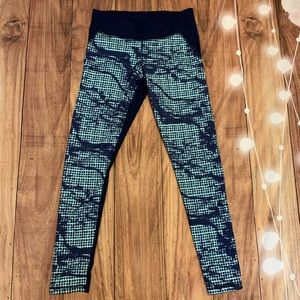 Under Armour Turquoise & Navy Blue cropped legging